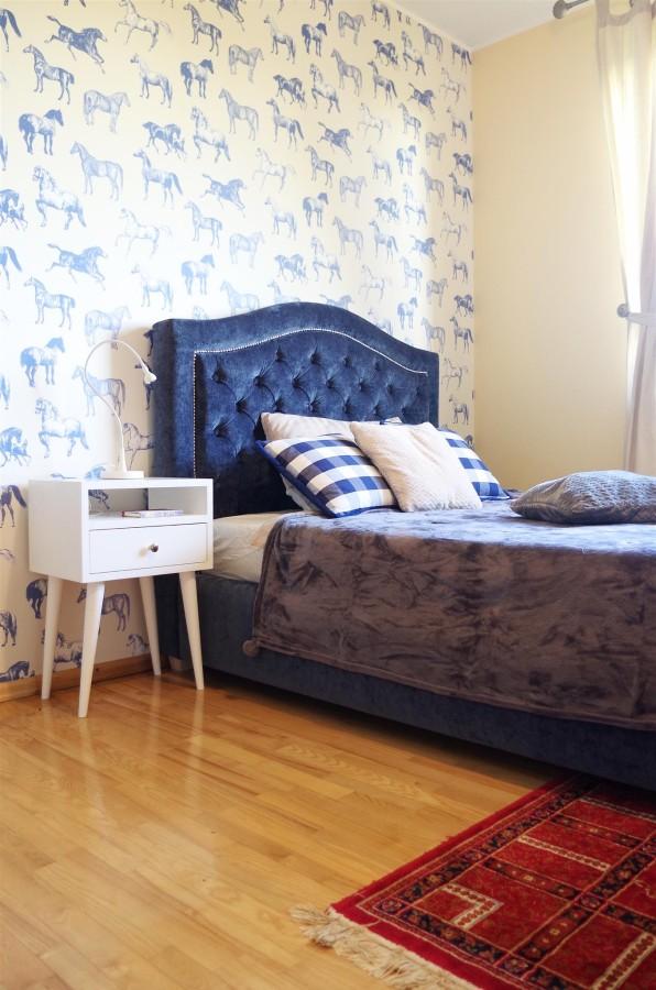 Oak wood white nightstand, NO-03-EP white