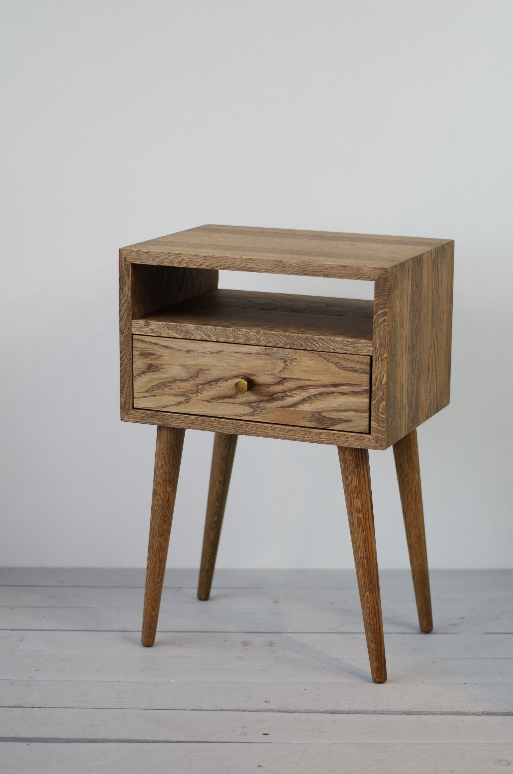 official photos e0a41 deeb7 Solid Oak Bedside Table, NO-03-ES