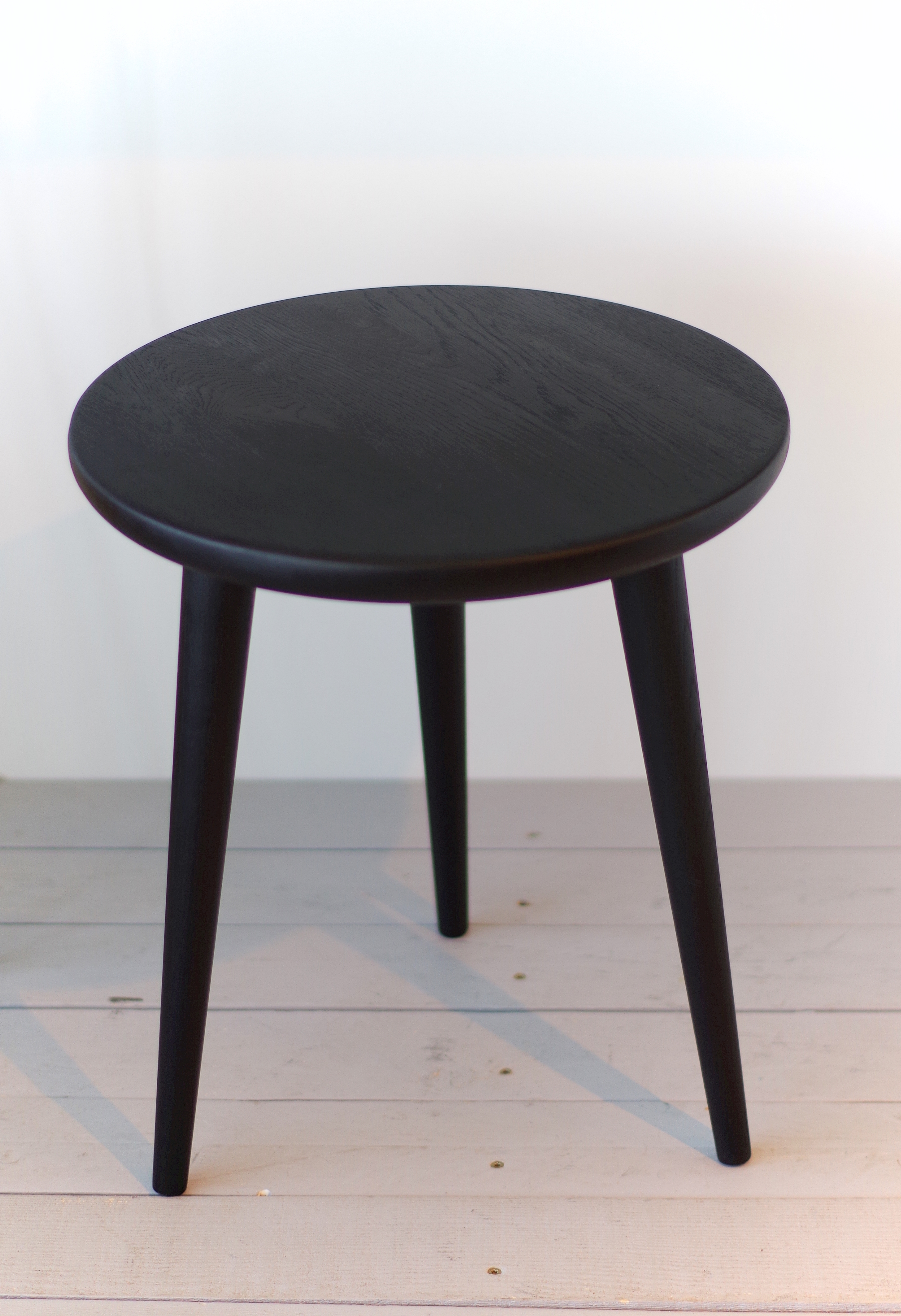 Black Small Solid Oak Side Table Stool 02 Aliusydecor